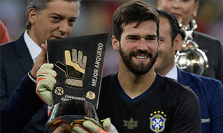 Alisson-Gold gloves